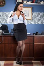 5f1be35daaafe3bd192a5f2c4aceec67--administrative-assistant-white-blouses
